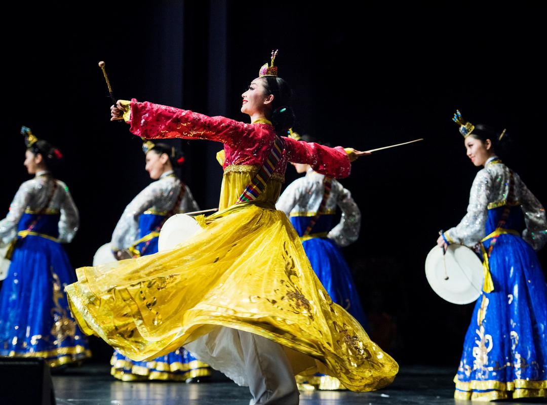 Stemningsbillede af dansere fra showet