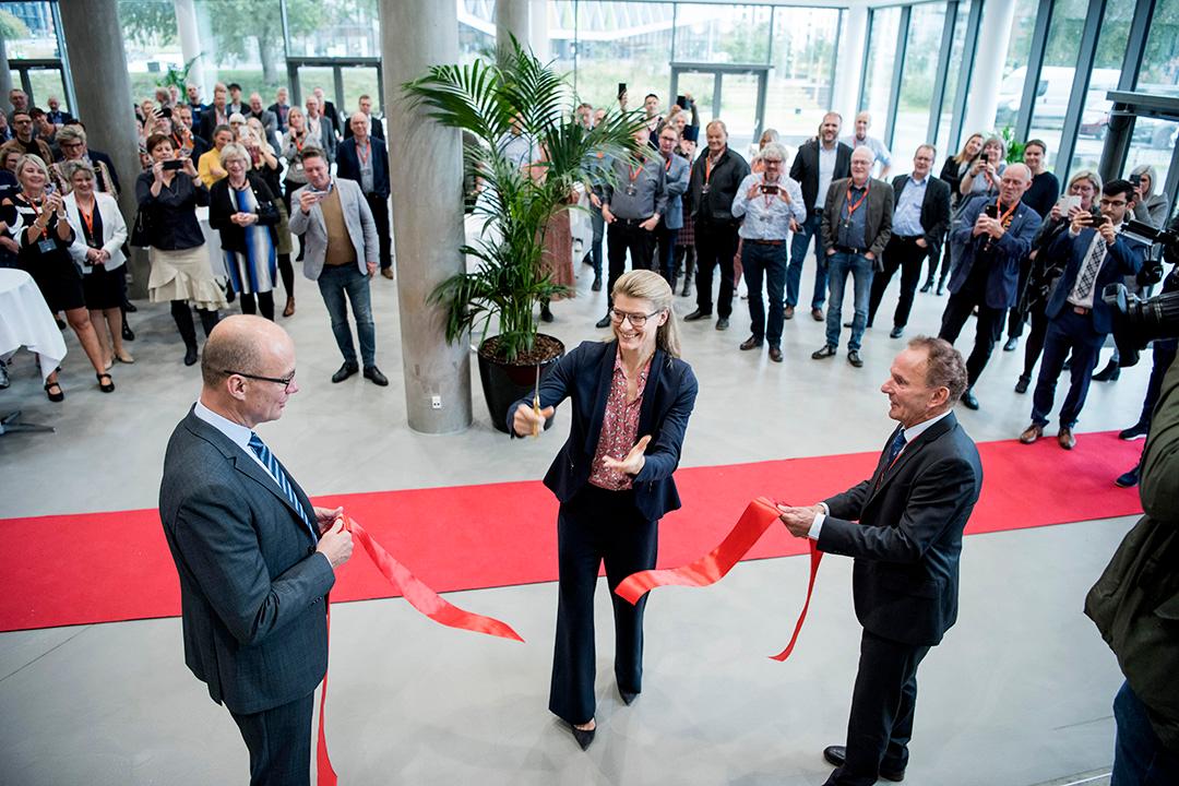 Her ses tidligere Uddannelses- og forskningsminister Ane Halsboe-Jørgensen, der indvier IBA's nye bygning i 2019.