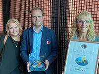 IBA Alumni, Louise Lindeskov sammen med Salgschef René Jensen og Salgsdirektør Puk Spencer da Lindab Profil A/S modtog Byggeriets energipris i 2020